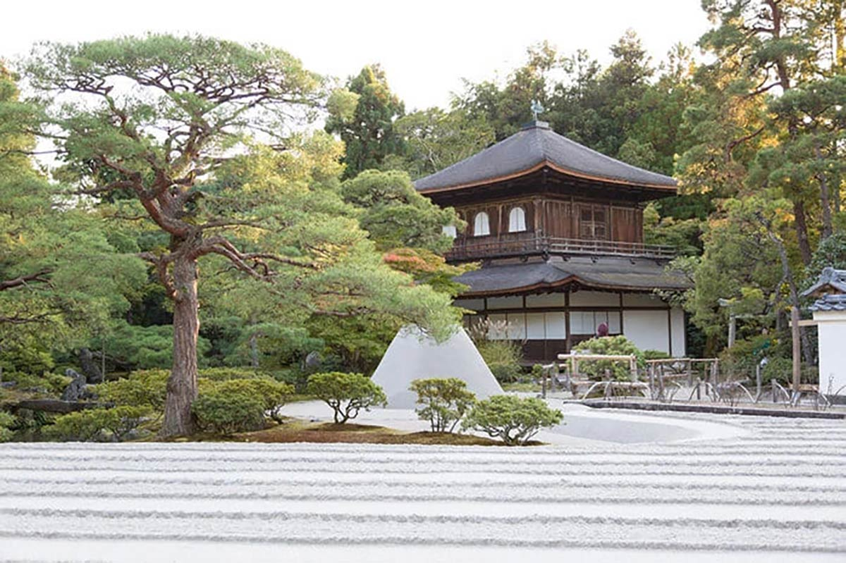 銀閣寺お月見の名称「向月台」