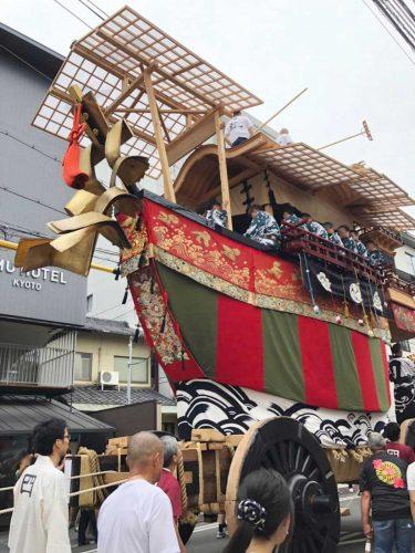 祇園祭 後祭(あとまつり)の山鉾建てが始まりました