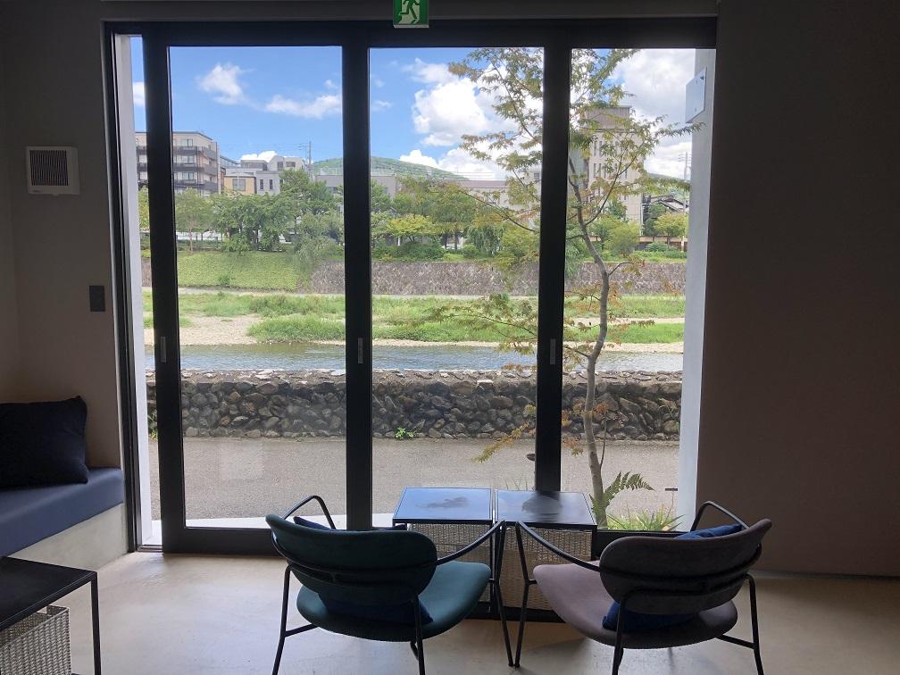 オープンウインドウのカフェ 五条路地裏映えスポット5選 夢館レースコーデプラン